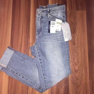 A great pair of Lucky Brand super slimming jeans